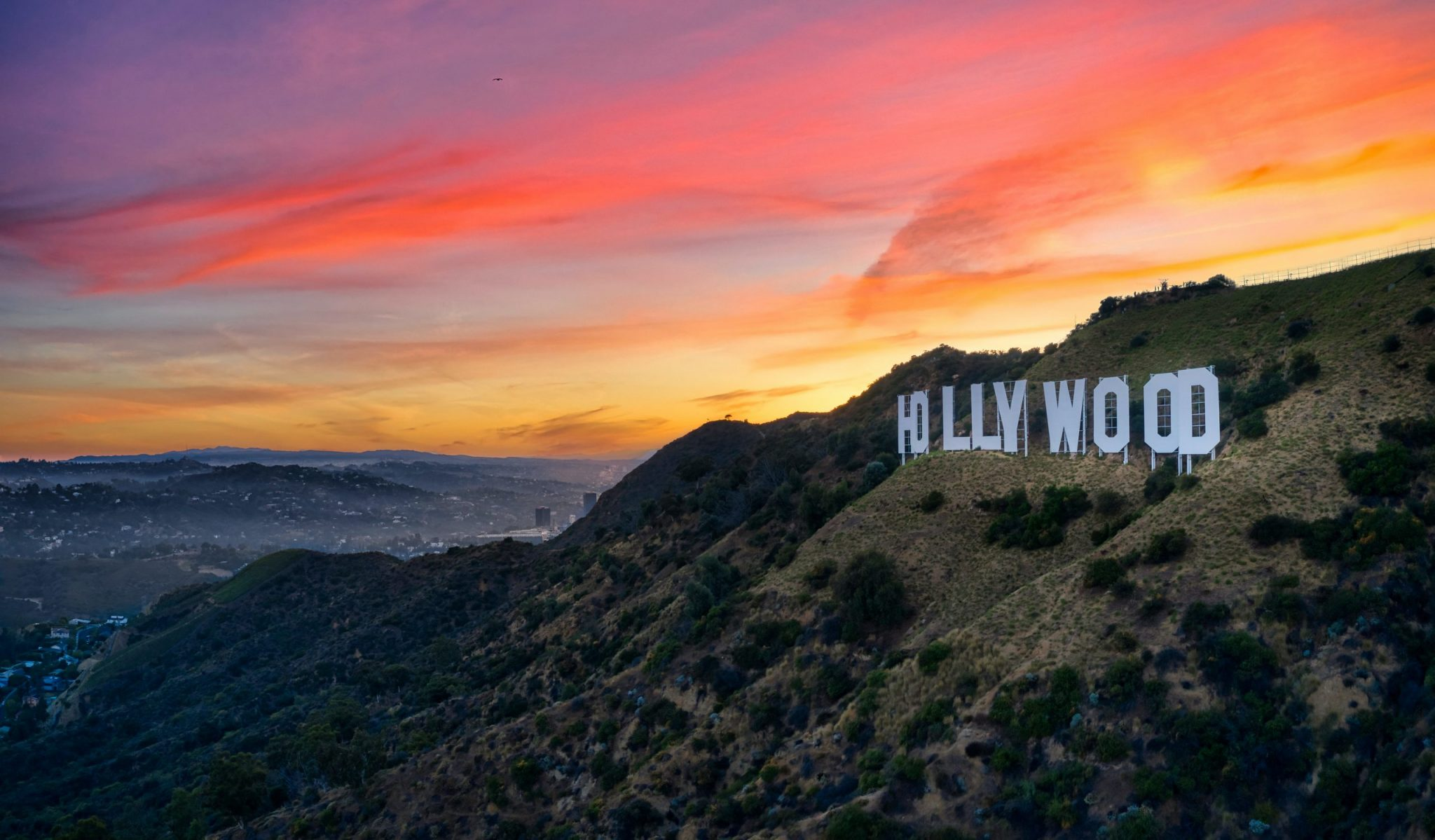 Hiking the Hollywood Sign from Lake Hollywood Park